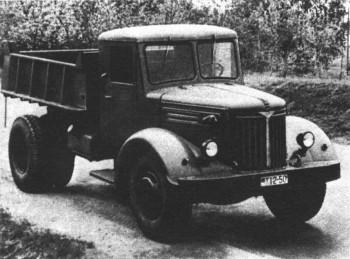 Первый отечественный дизельный самосвал МАЗ-205